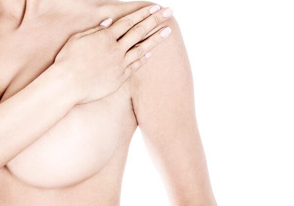 Dr_med_Khorram_Plastischer_aesthetischer_Chirurg_Brustvergroeßerung-420x600_11